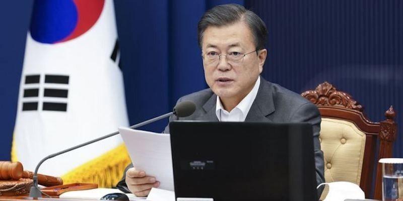 Kebangkitan Ekonomi, Pandemi Covid-19, dan Isu Korea Utara, Tantangan Bagi Presiden Moon di Tahun 2021