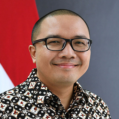 Mr. Santo Darmosumarto